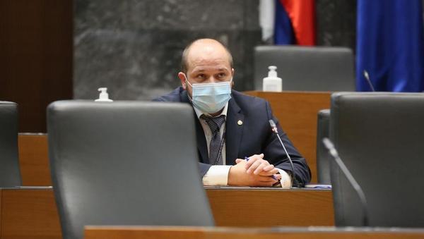 Kakšne naloge čakajo novega zdravstvenega ministra in zakaj uživa Janševo podporo?