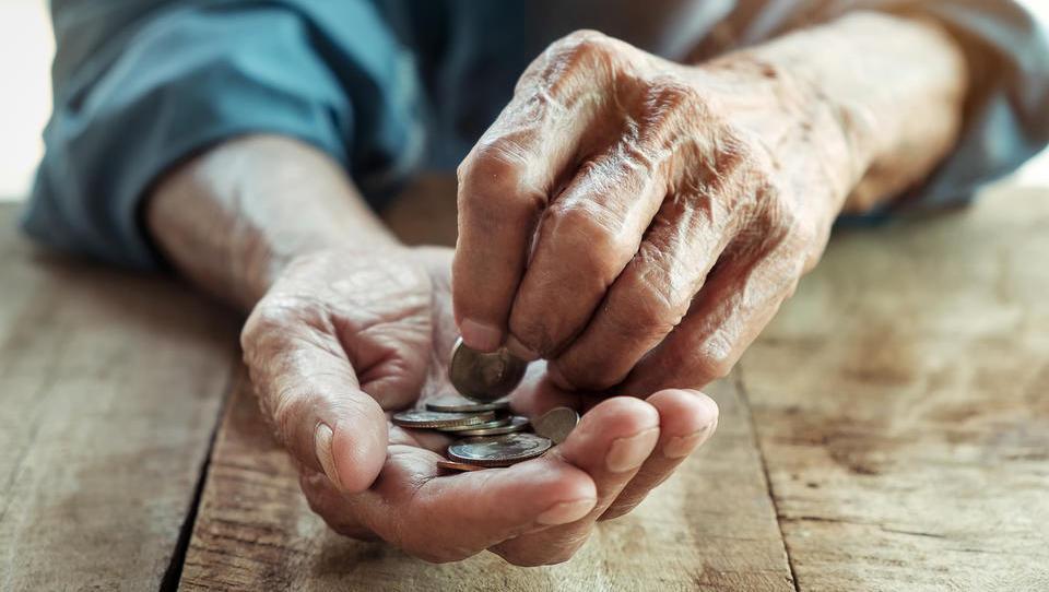 Šok za tisoče obrtnikov: zmanjkalo denarja za poklicne pokojnine