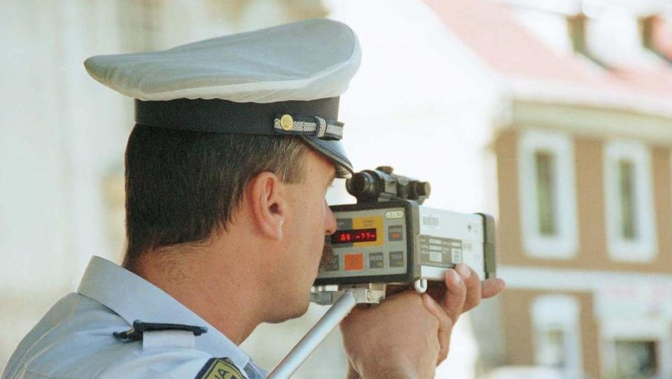 (POZOR) Na delu policijski radarji na 617 lokacijah, razkrivamo kraje in ure