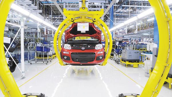 Posamezni avtomobilisti upočasnjujejo proizvodnjo