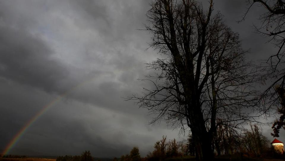 Pametno zavarujte dom, da ne boste s strahom gledali v nebo