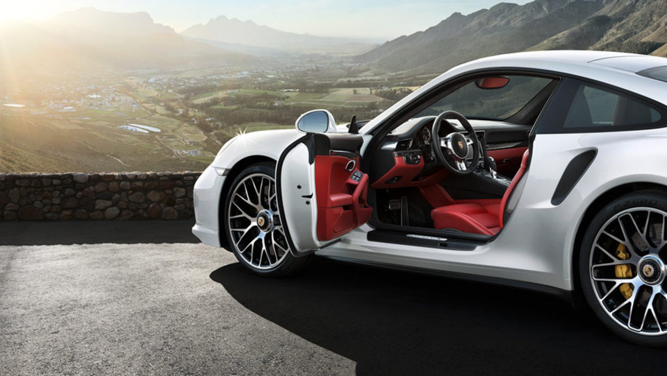 Porsche zaposlenim še zvišal sanjski bonus