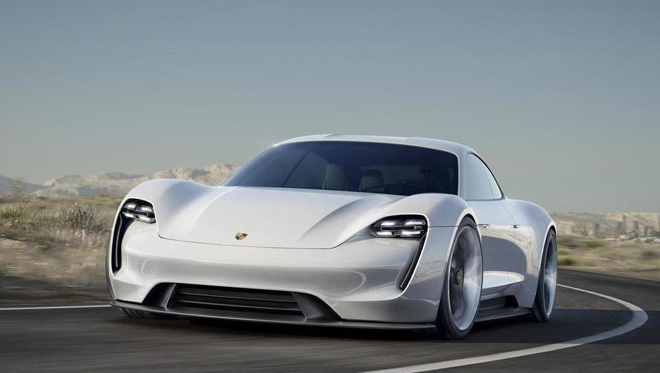 Kako bo prihodnost Porscheja drugačna, a hkrati enaka