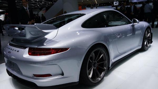 Porsche ustavil dobavo svojih najdražjih avtov