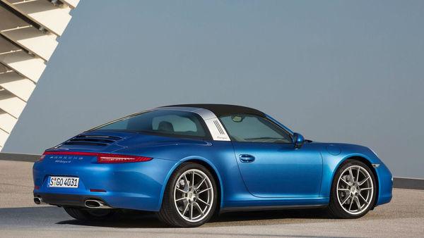 Porsche 911 s pomično streho za 136 tisoč evrov