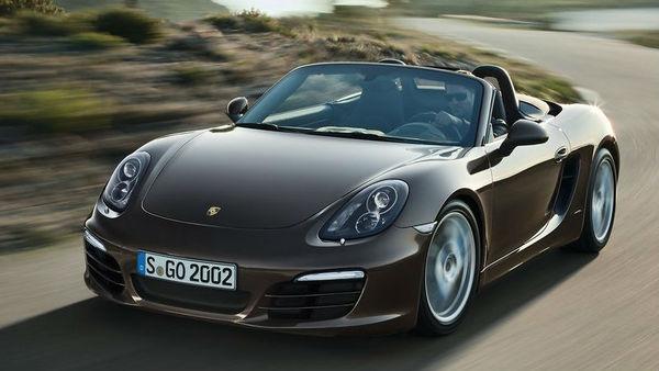 Porsche snuje malega športnika 718
