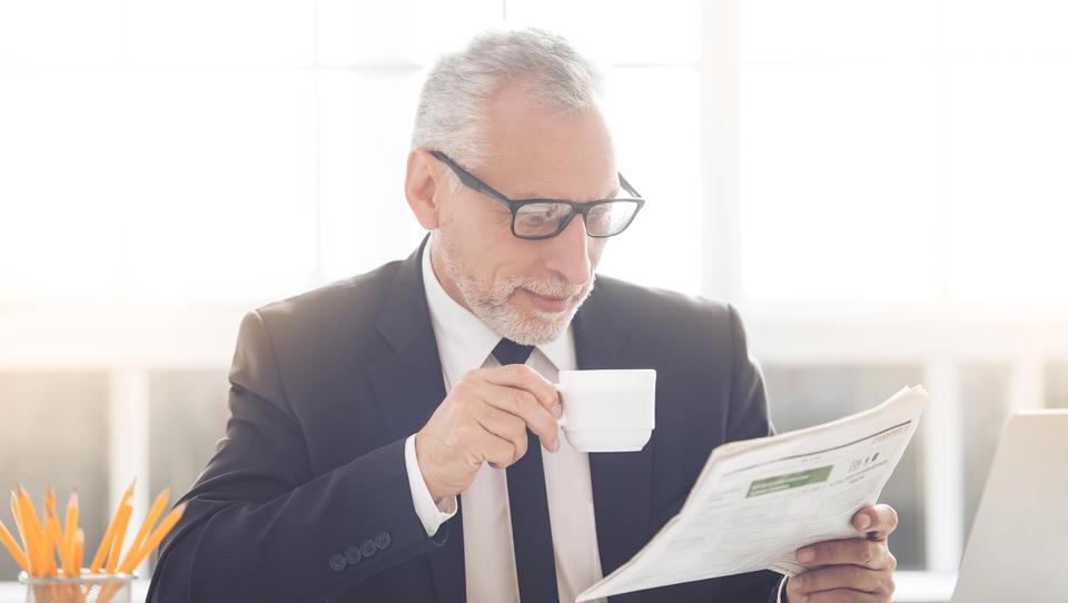 Kako so obdavčeni upokojenci, ki delajo kot prokuristi?