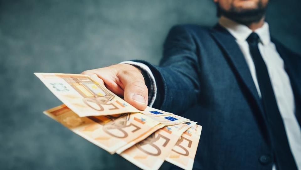 3. Še odplačevati posojilo ali ga poplačati?