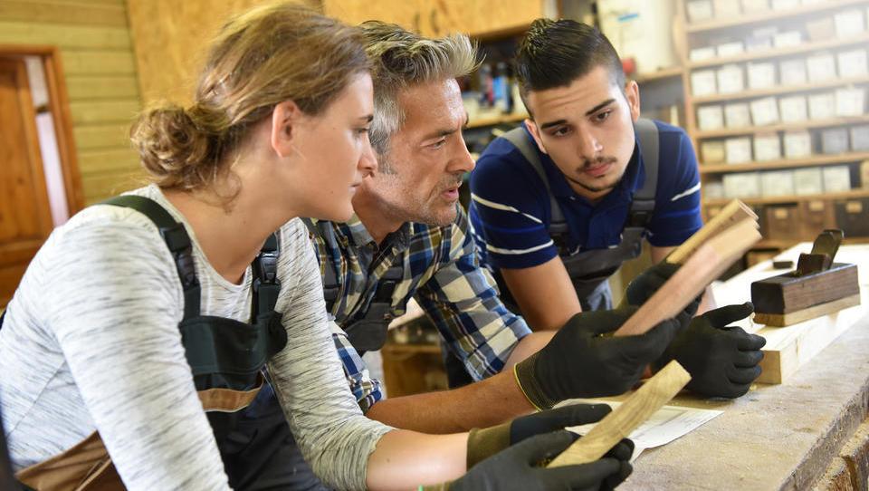 Novi spodbudi za usposabljanje brezposelnih v podjetjih