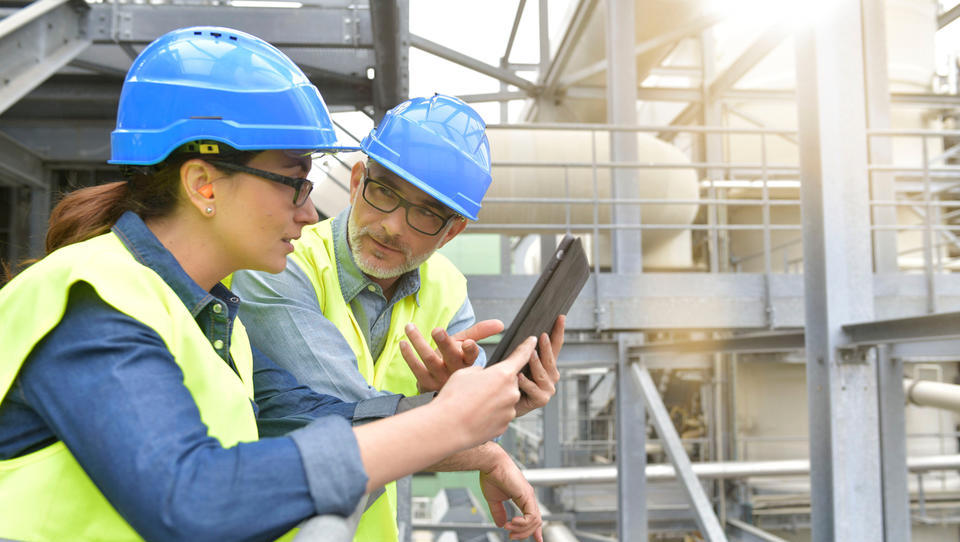 Napoveduje se lažje zaposlovanje tujih pripravnikov in mladih raziskovalcev