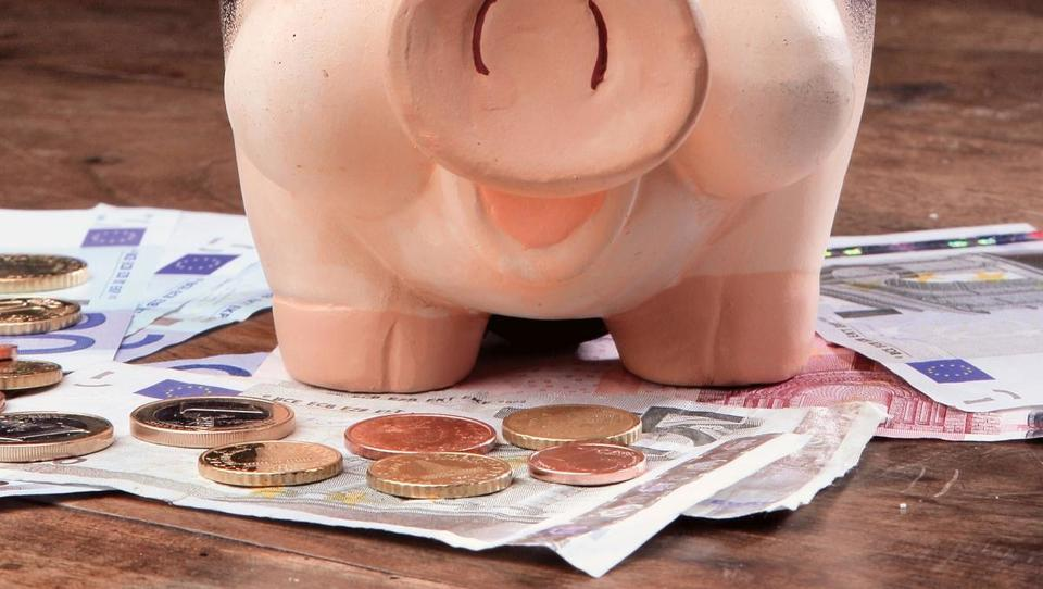 Banke uvajajo bančne pakete, kaj morate vedeti
