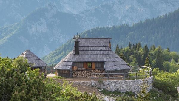 Kamniški forum: Podjetnik, ki ima na Veliki planini glavno turistično sezono celo leto