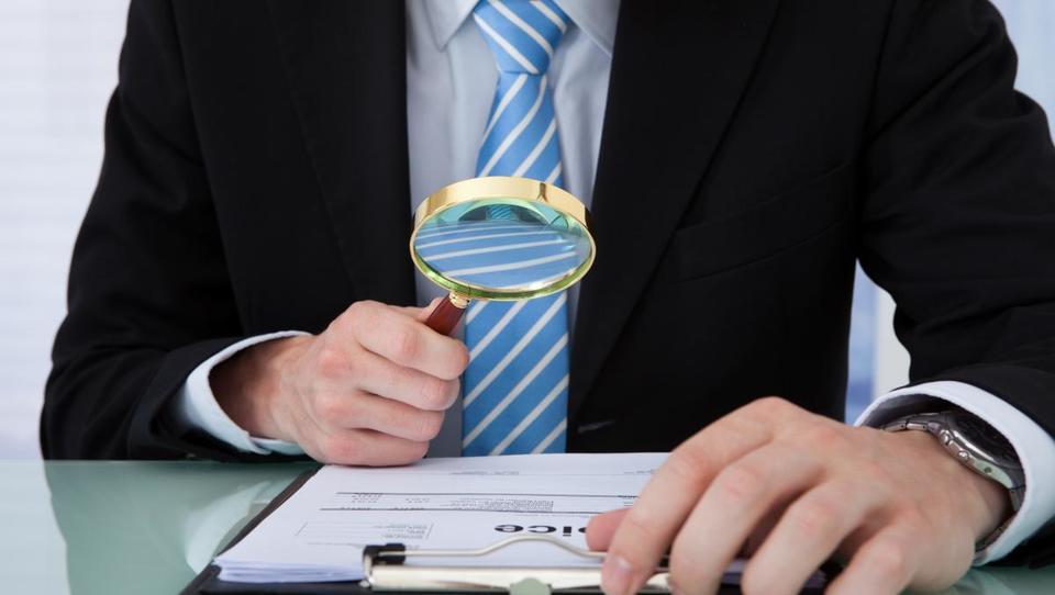 Kako iztožiti vplačane premije življenjskih zavarovanj?