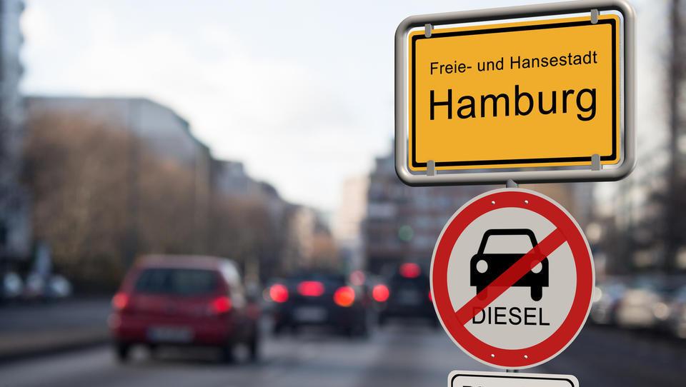 Dizle izganjajo iz mestnih jeder. Ali bomo kaj lažje dihali? Izkušnja Nemčije