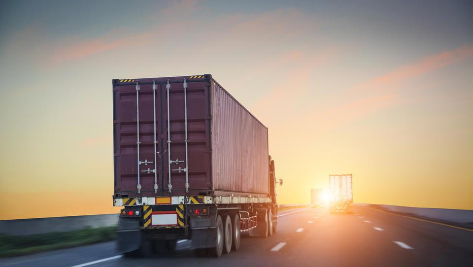Z združevanjem prevozov bi lahko logisti precej znižali stroške, zakaj potem tega ne počnejo?