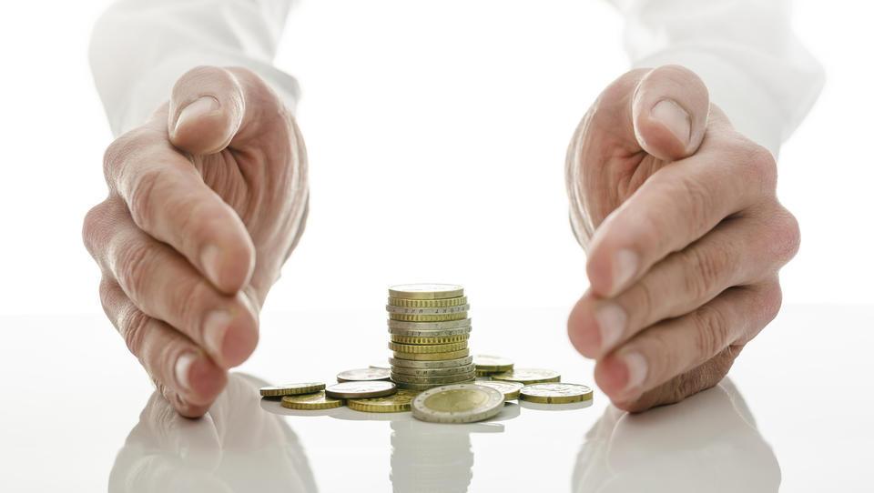 Kaj je dobro vedeti o plačevanju akontacije davka, tudi, če bo to nekaj časa zamrznjeno