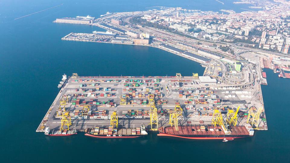 Pristanišča 2017: V Kopru so pri kontejnerjih zrasli za 8 odstotkov, v Trstu za 26