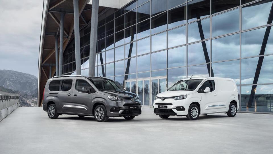 Toyota s polno paro v segment lahkih gospodarskih vozil