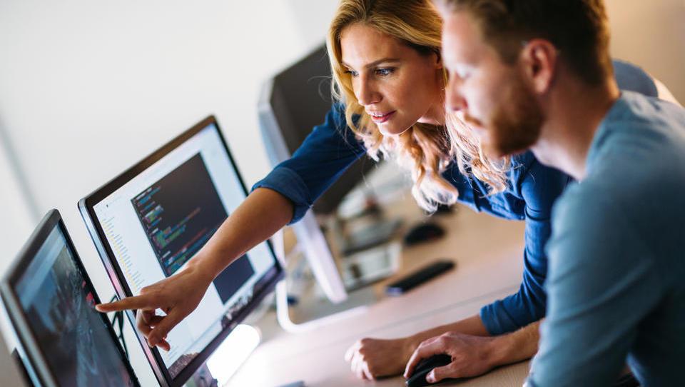 Furs spet nad normirance: tokrat so na udaru IT-podjetja