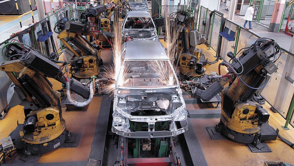 Revoz išče dodatnih 450 proizvodnih delavcev