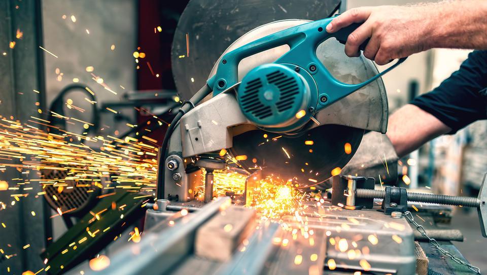 Slovenska industrija s krepko rastjo prodaje in izvoza