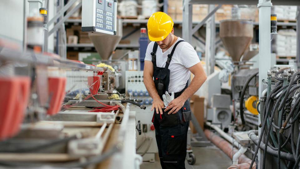Slovenski avtomobilski dobavitelji bi podaljšanje zdajšnjih ukrepov, sicer je ogroženih deset tisoč delovnih mest