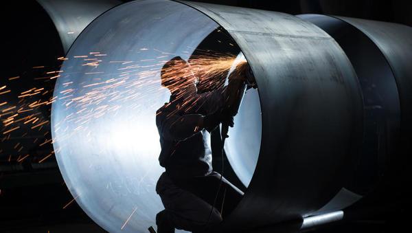 Industrijska proizvodnja na evrskem območju mesečno in medletno manjša