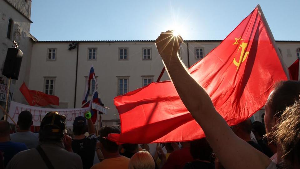 Ko državo ugrabijo sindikati