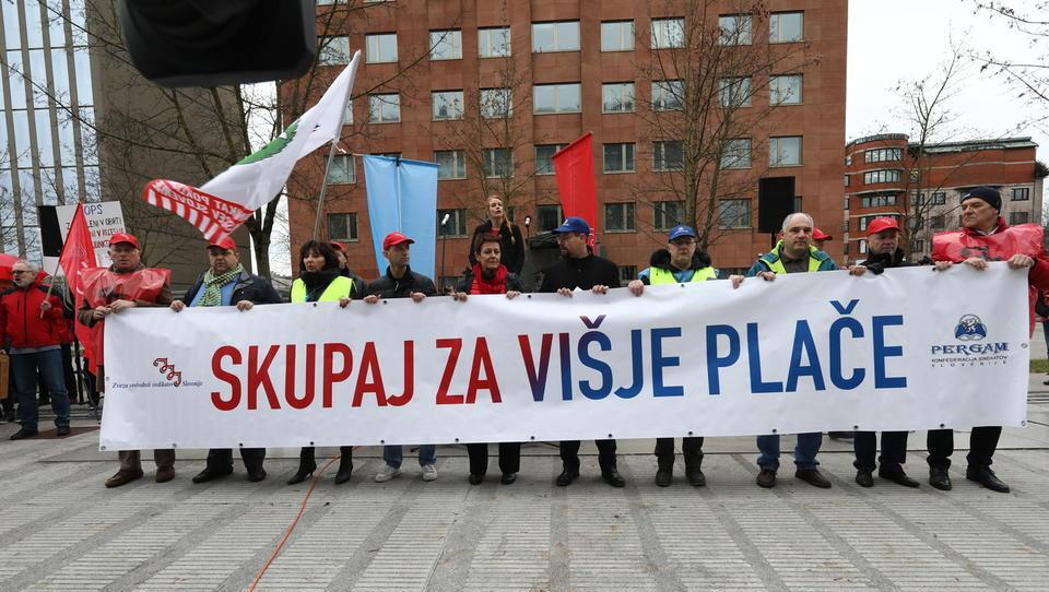 Foto: V Ljubljani poteka shod za višje plače