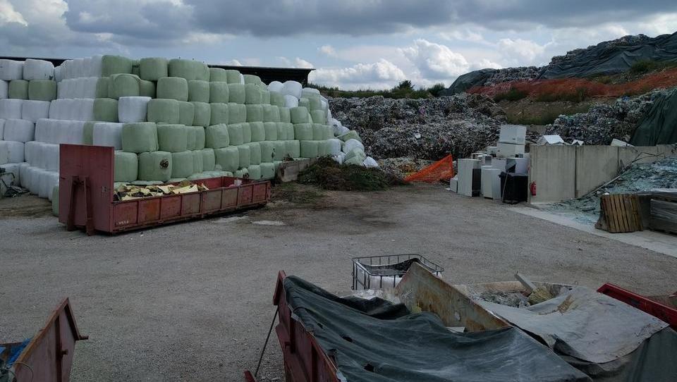 Odpadkov je toliko, da bi lahko postavili 12 'celjskih sežigalnic'