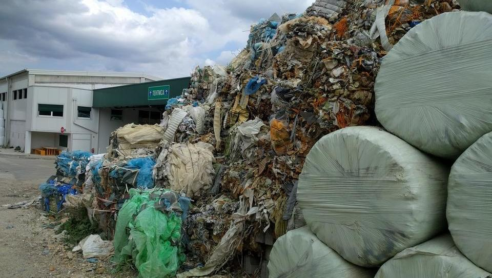 Ministrstvo ponovno išče interesente za interventni odvoz odpadne embalaže