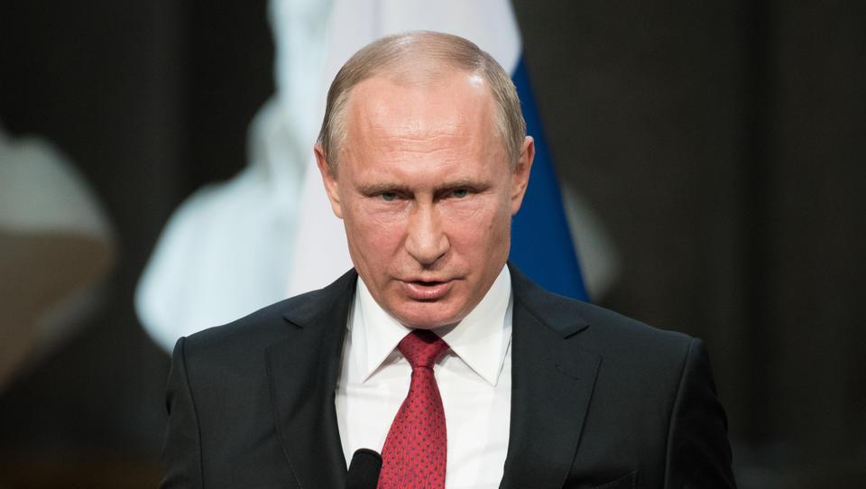 Putin: zaradi vibracij vetrnih elektrarn črvi lezejo iz zemlje