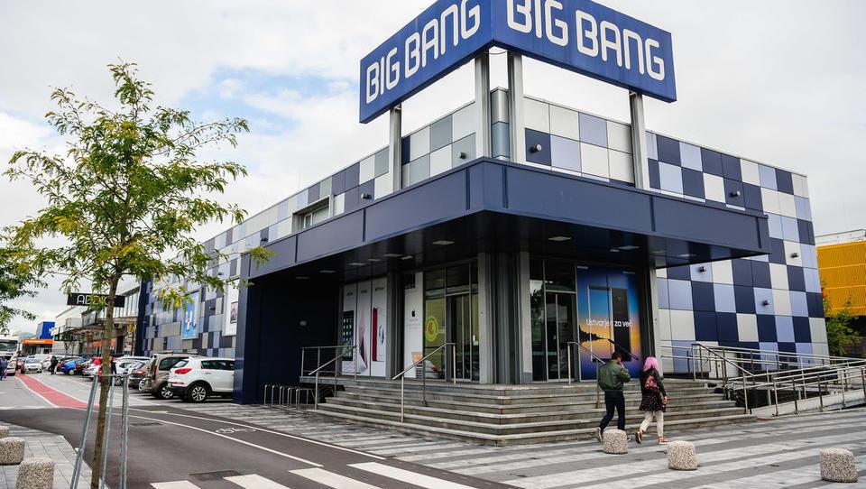 Zadnje ure za izboljšanje ponudb za Big Bang: koliko da kdo?