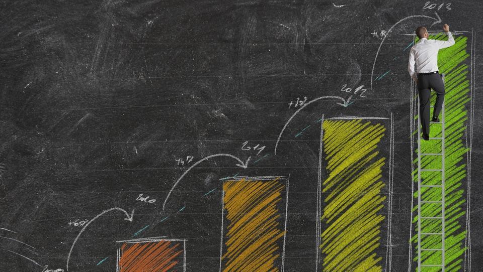 Umar za letos napoveduje 5,1-odstotno rast BDP; se moramo bati pregrevanja?