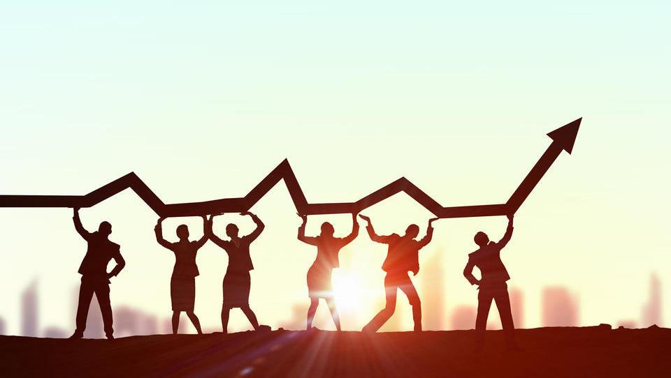 Slovenski BDP lani zrasel za 4,6 odstotka; pokrizna rast večja od povprečja evrskega območja