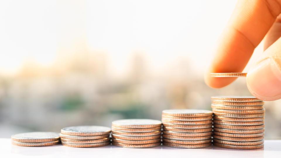 Povprečna plača lani zrasla za 3,4 odstotka