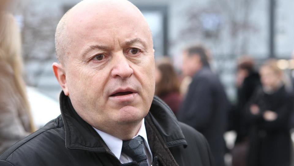 Dnevnik: Rastoder skupaj s Črnogorci začel z gradnjo 220 stanovanj v prestolnici