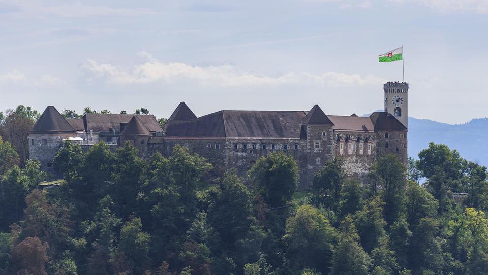 Rabljena stanovanja v Ljubljani: Po več kot dveh letih strme rasti cene na četrtletni ravni prvič upadle