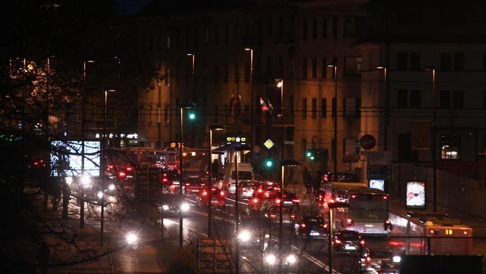 Podjetje Javna razsvetljava kupuje kitajski sklad