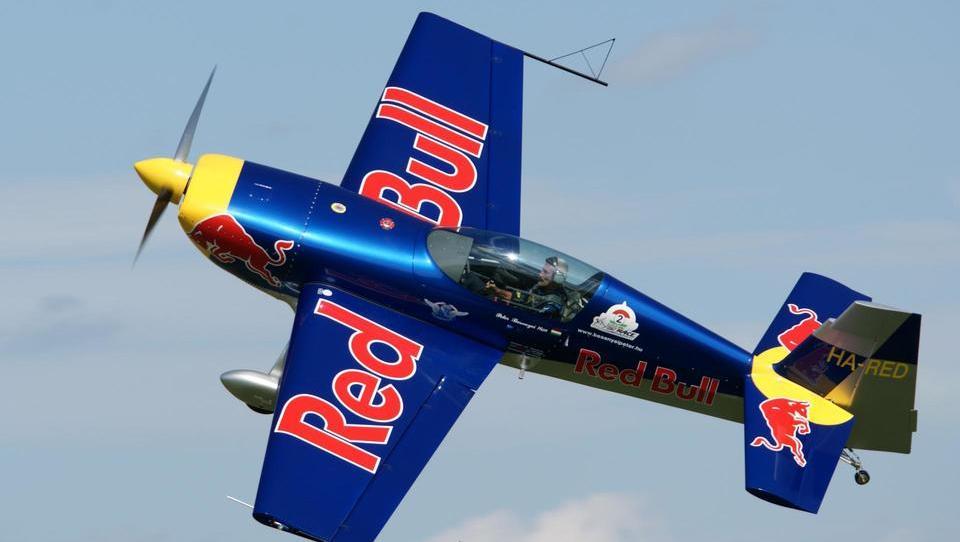 Top službe - Red Bull išče vodjo športnega marketinga; službe še v NLB, Grawe, Darsu, Httpoolu, SIJ in še 15 podjetjih