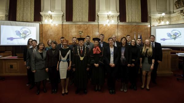 Rektorjeve nagrade: prvo mesto za inovativni indikator temperature