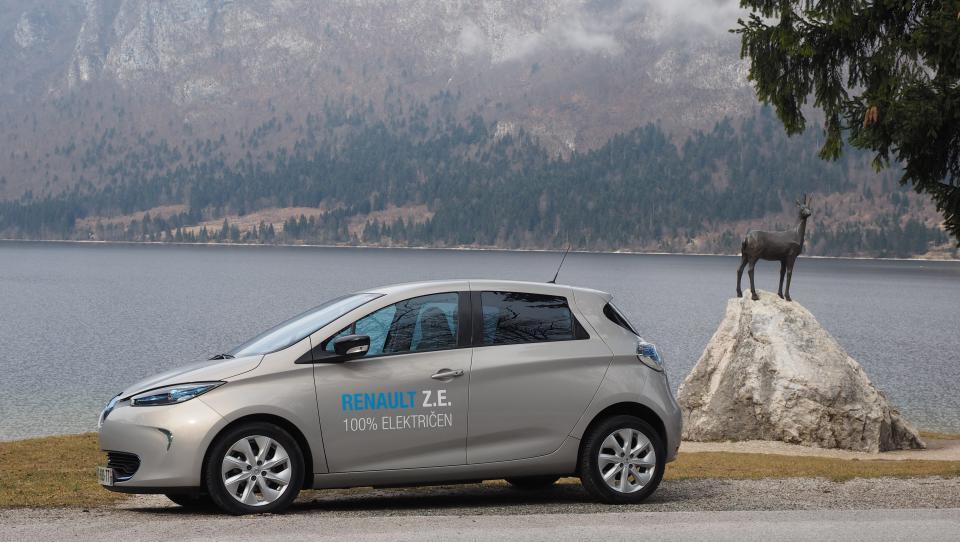 Francoska vlada povečuje delež v Renaultu, da bi ohranila vpliv