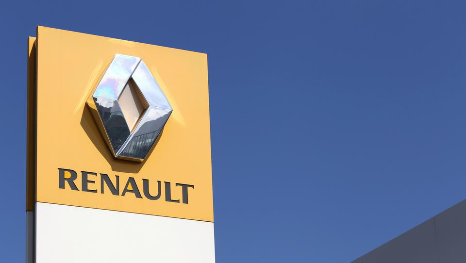Renault okrepil prodajo, Nissan pa ne