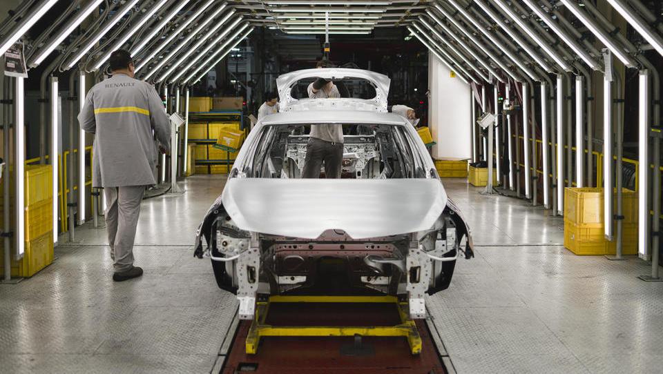 Skupina Renault bo v treh letih znižala stroške za dve milijardi evrov, število zaposlenih bo zmanjšala vsaj za 14.600