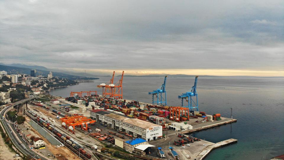 Prva večja zmaga za železniškega gradbinca ŽGP v tujini: terminal na Reki