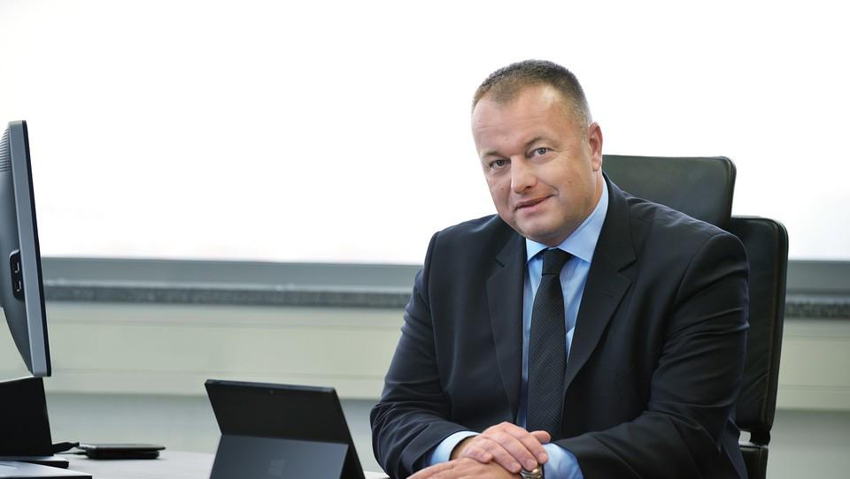 (intervju) Šef slovenskega Microsofta: Vsi bomo morali postati uberji
