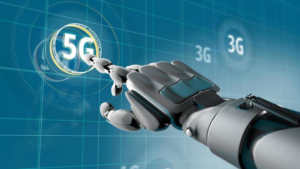 Internet strojev, oblak in tehnologija v industrijski robotiki