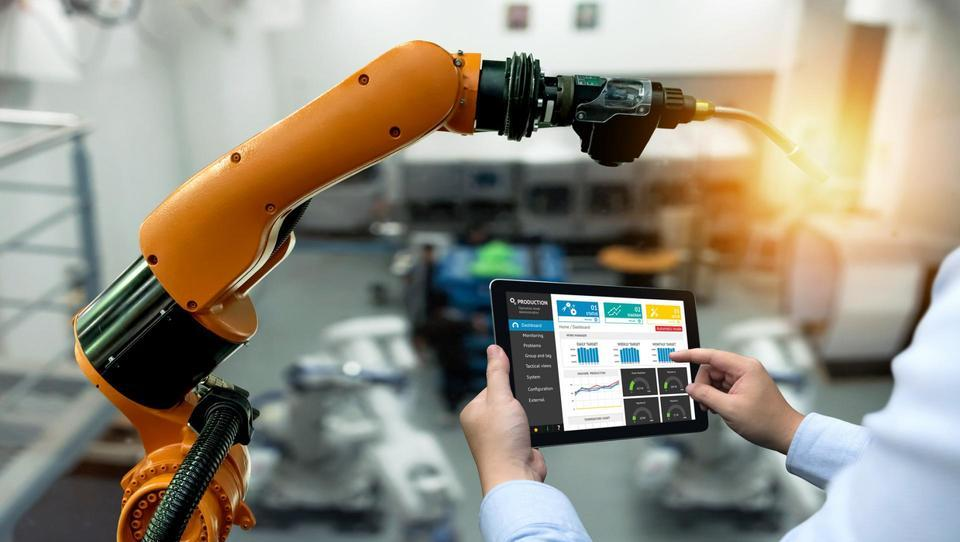 Industrija 4.0 bolj malo koristi, če zaposleni o njej nič ne vedo