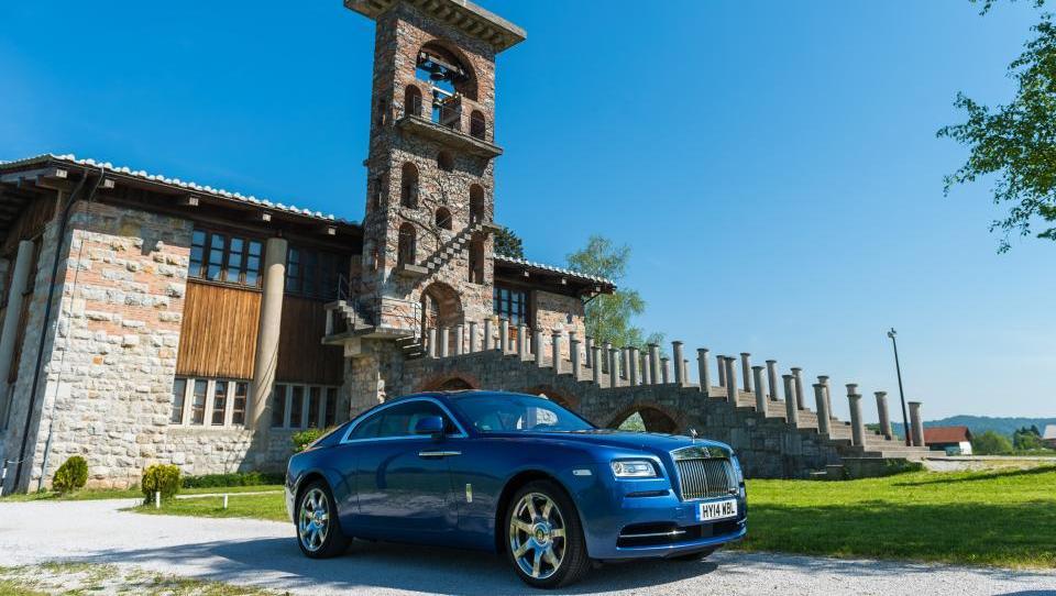 Rolls Royce wraith: poltretja tona razkošja, sloga in karizme