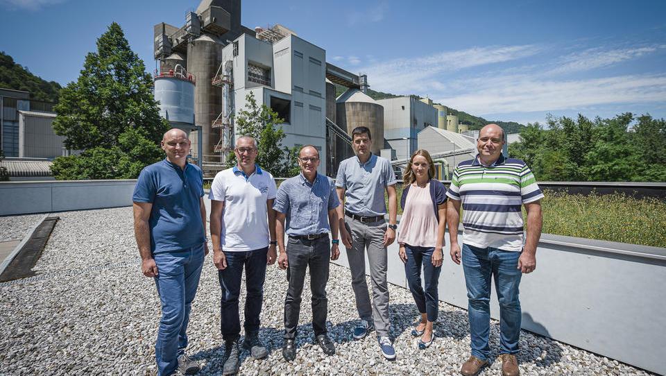 Reportaža: Kako v Salonitu Anhovo vsak dan izdelajo tri tisoč ton cementa
